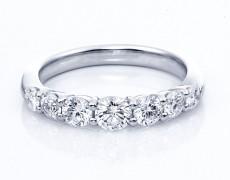 ダイヤモンドは女性の輝き